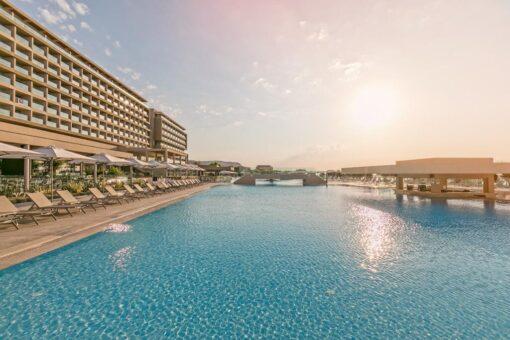 Προσφορές για το ξενοδοχείο Amada Colossos Resort Με Νεροτσουλήθρες