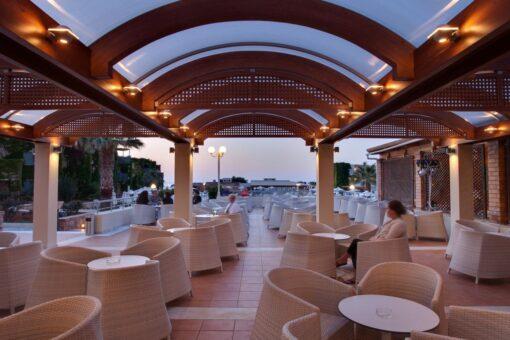 Hotel deal Bella Beach Hotel