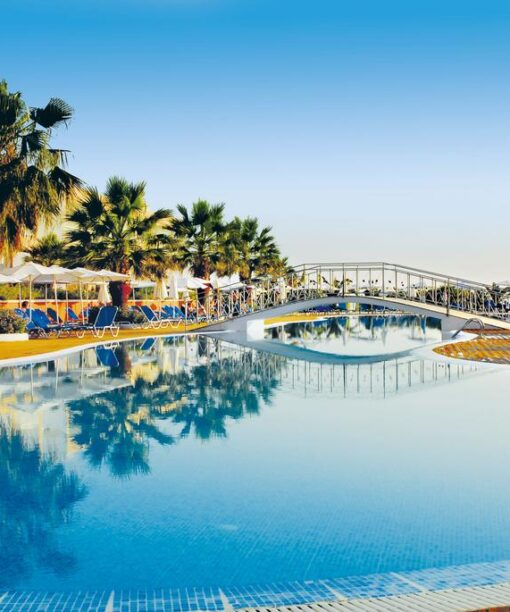 Προσφορές για το ξενοδοχείο Labranda Sandy Beach Με Νεροτσουλήθρες