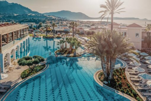 Προσφορές για το ξενοδοχείο Lindos Imperial Resort & Spa Με Νεροτσουλήθρες
