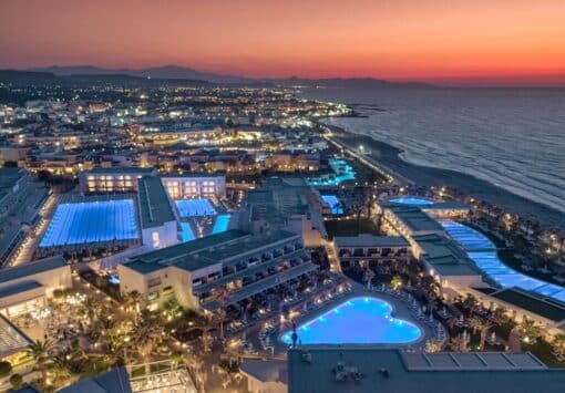 Προσφορές για το ξενοδοχείο Lyttos Beach Με Νεροτσουλήθρες
