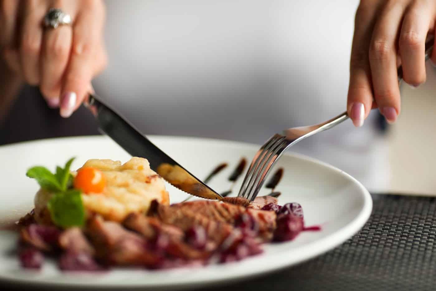 Ταη+ξιδι στο εξωτερκο και φαγητο